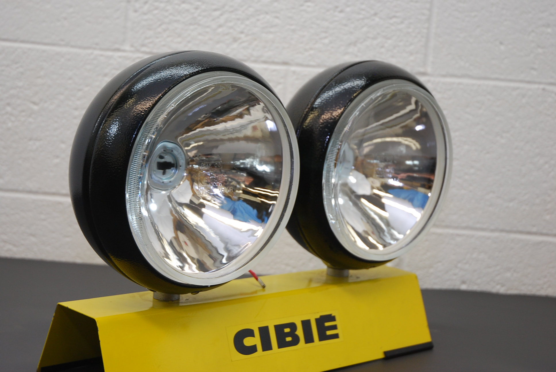 Genuine Cibie Super Oscar 9 Quot Diameter Pencil Beam Lights Pair